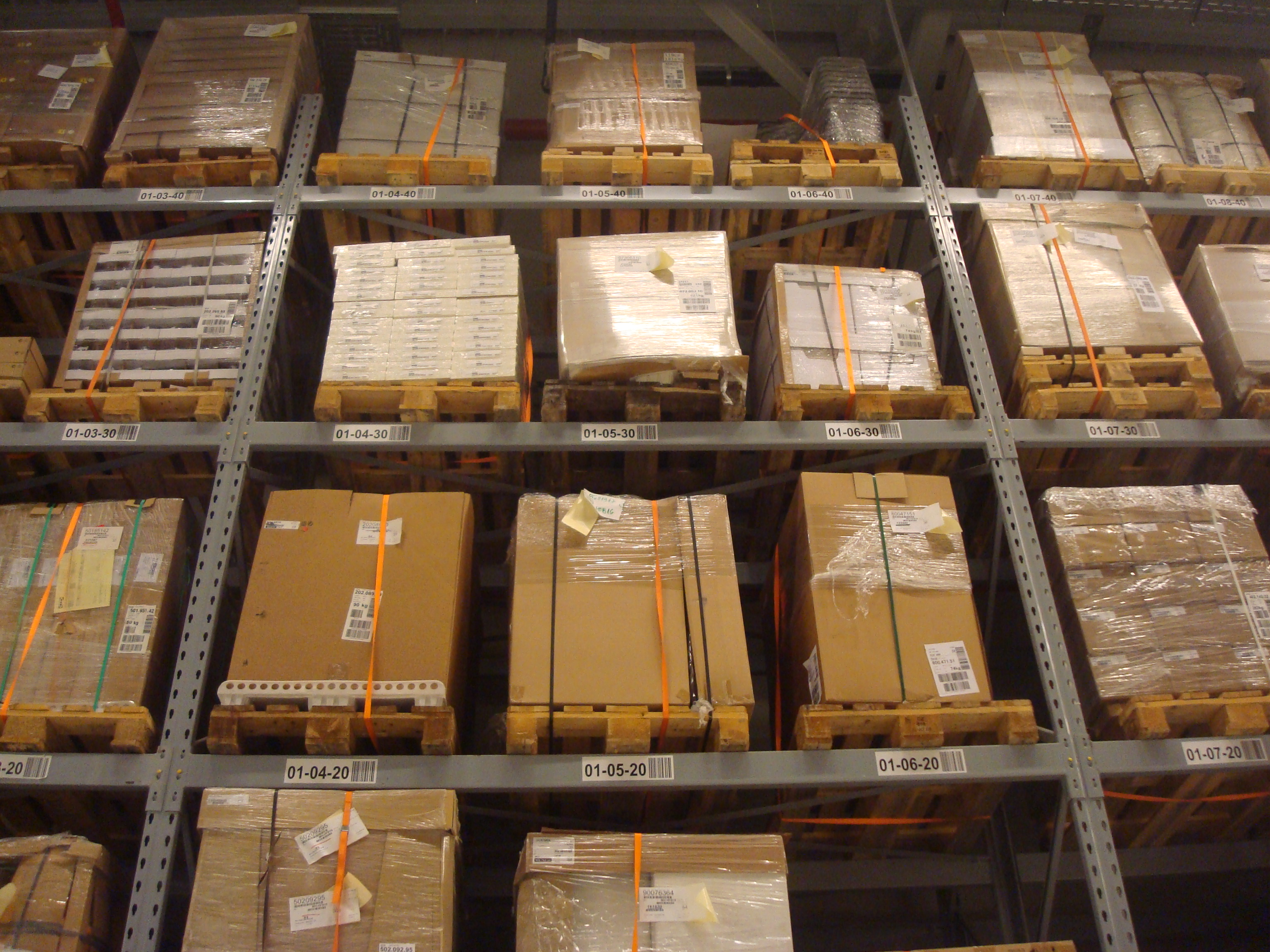 stockvault-boxes-in-a-warehouse138970