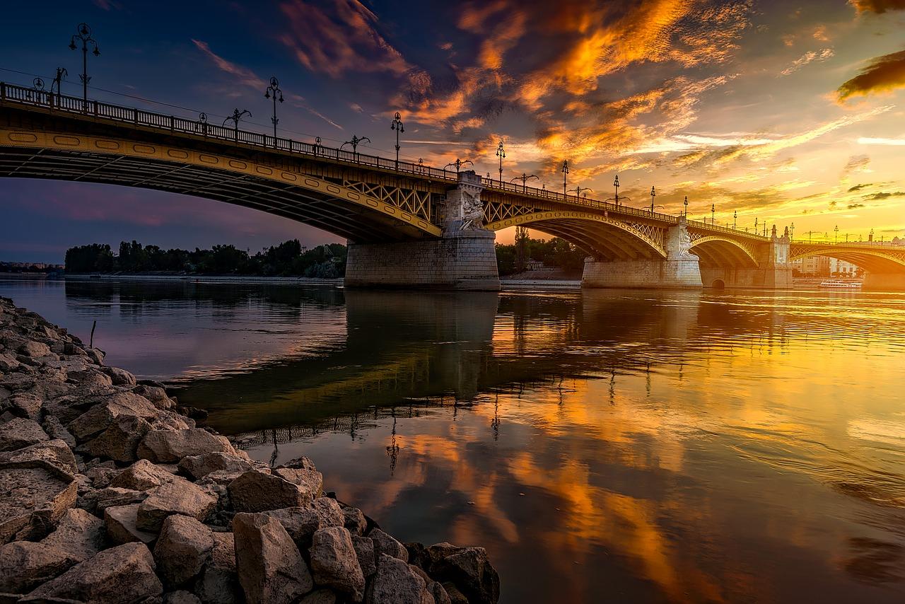 budapest-1801725_1280