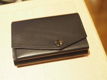 アブラサスの小さい財布使用レビュー〜ミニマリスト的な財布のすヽめ〜
